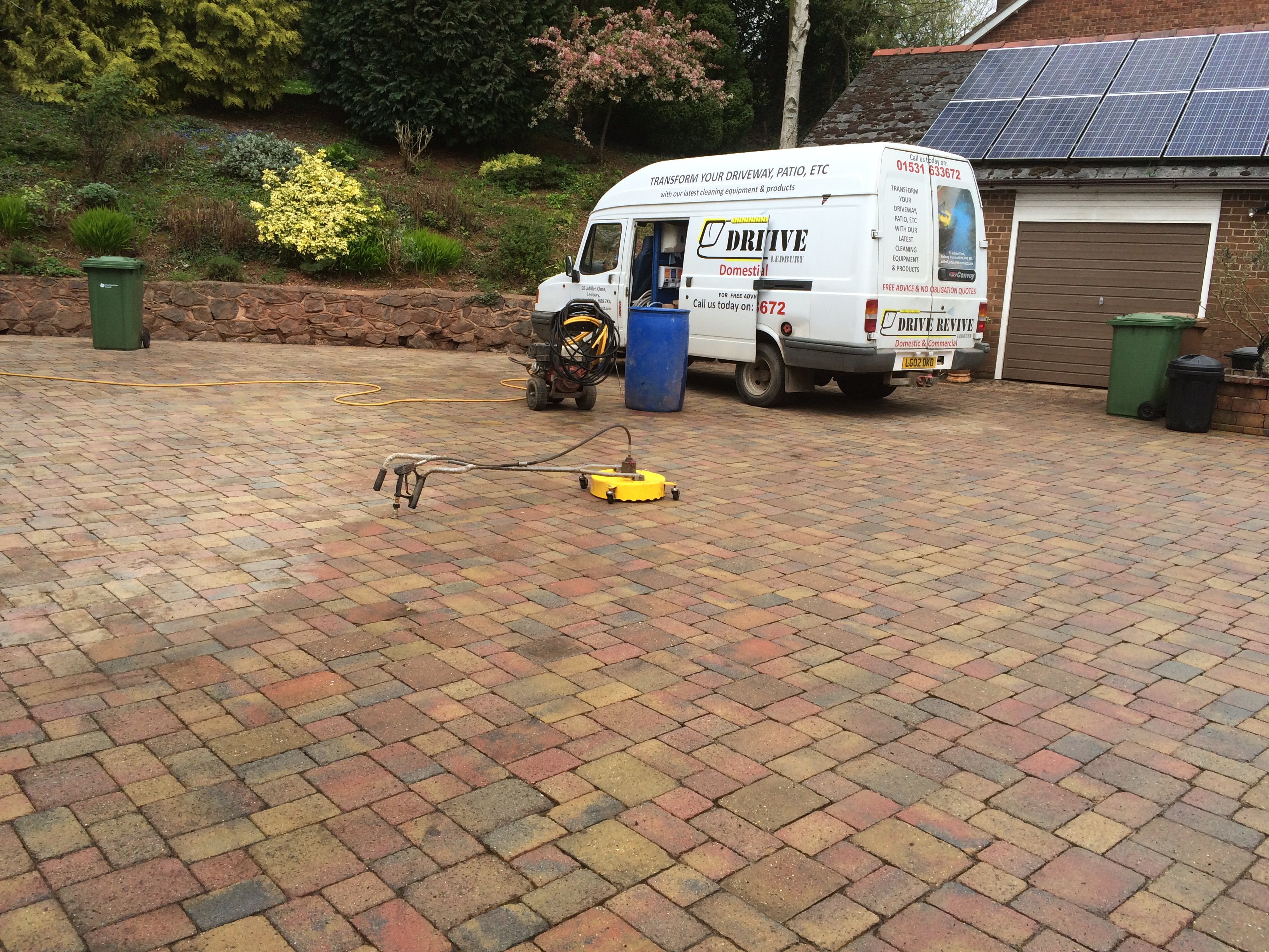 start of driveway deep clean wellington heath 002