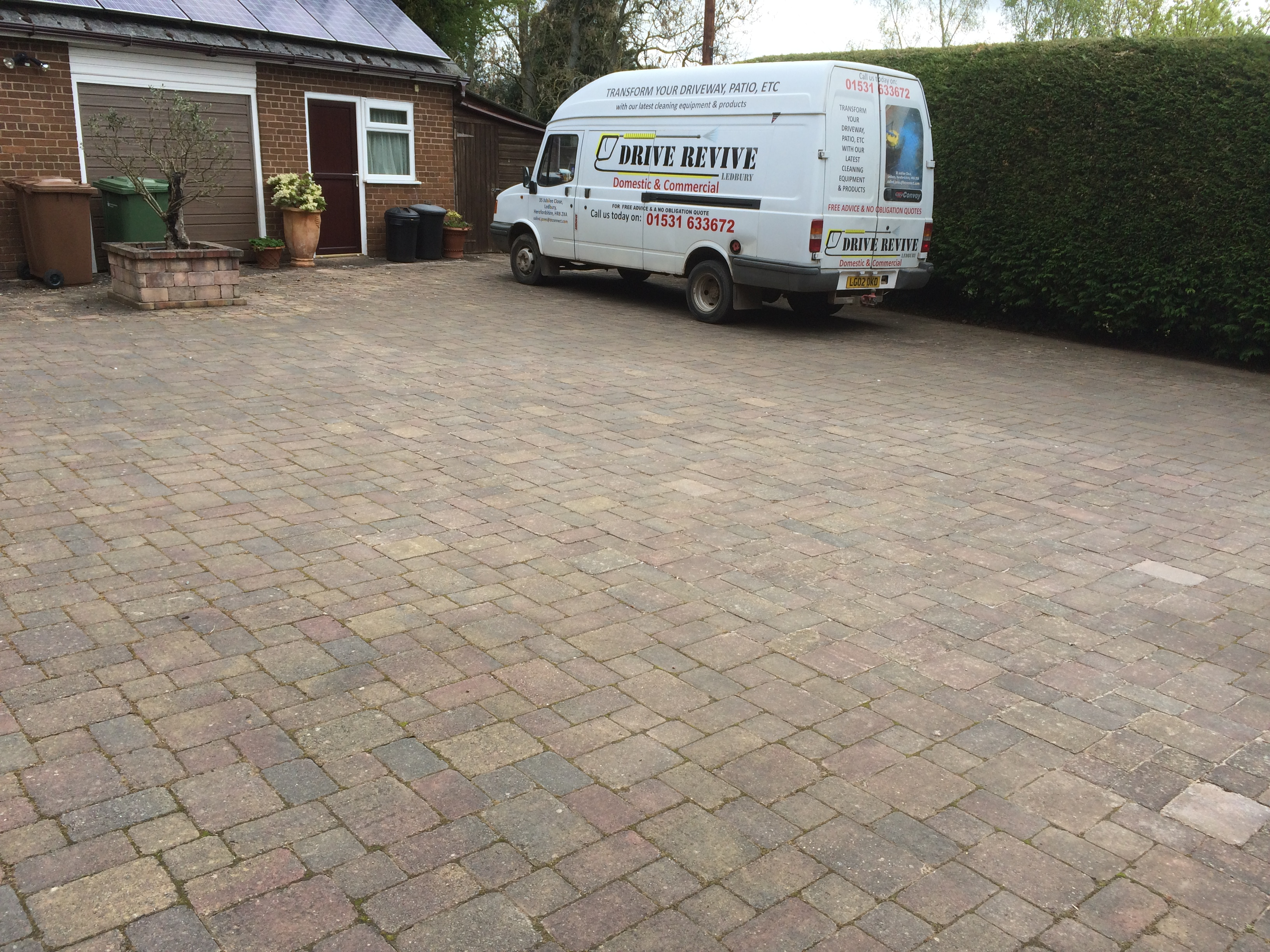 start of driveway deep clean wellington heath 005