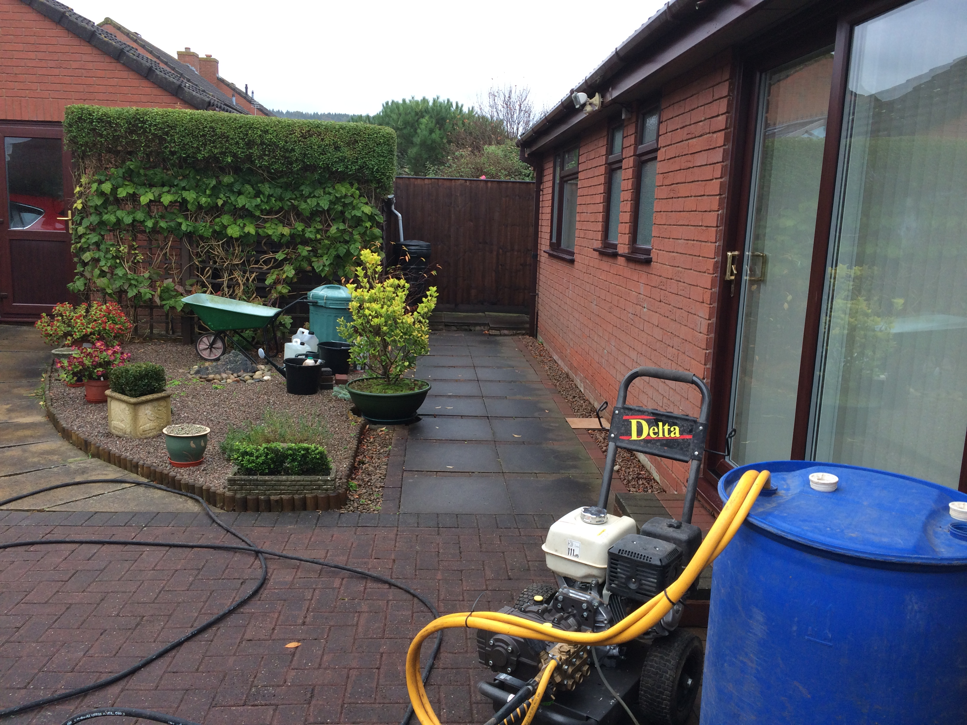 patio and paths cleaned ledbury Herefordshire 006